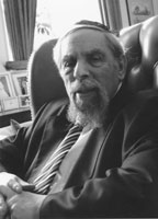 http://en.wikipedia.org/wiki/Louis_Jacobs#/media/File:Rabbijacobs.jpg