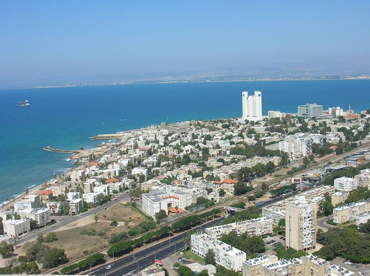 Bat-Galim Haifa in Israel by Edom on Wikimedia
